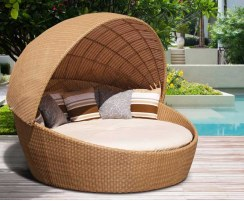 Oyster Rattan Daybed with Canopy, Round Wicker Daybed