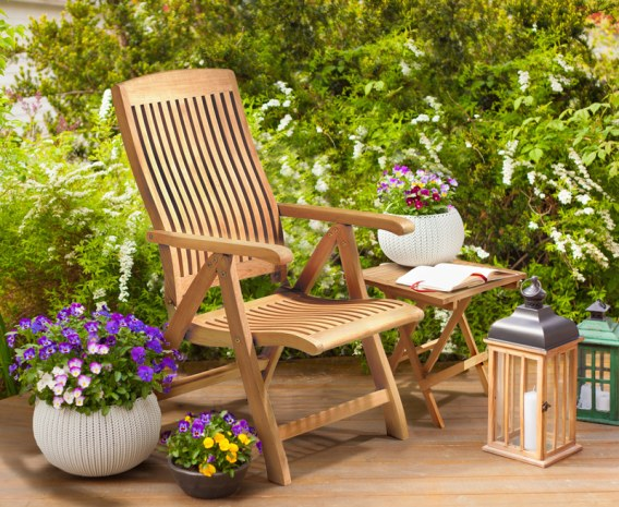 teak wooden recliner chair