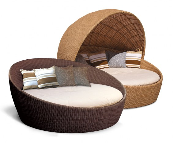 Oyster Rattan Daybed, Round Wicker Daybed